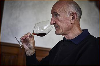 Tasting wines Edouard Delaunay by Jacky Rigaux